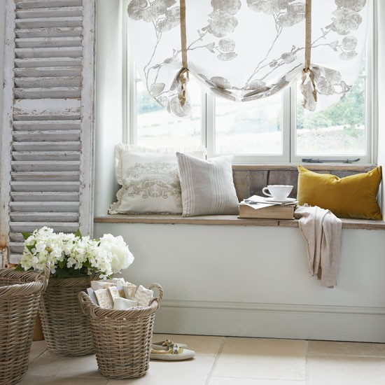 distressed-wood-reclaimed-shutter-idea-refurbished-project-craft-rescue-living-room-window-seat-shabby-chic-gorgeous-bay-window-diy